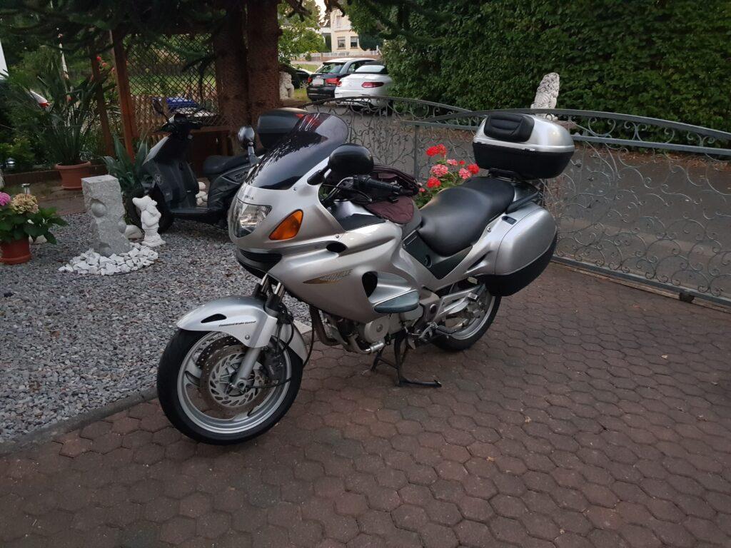 honda-nt650v-deauville